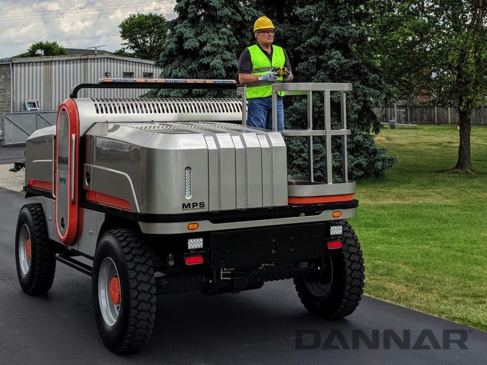 DANNAR 400 Mobile power station with operator driving